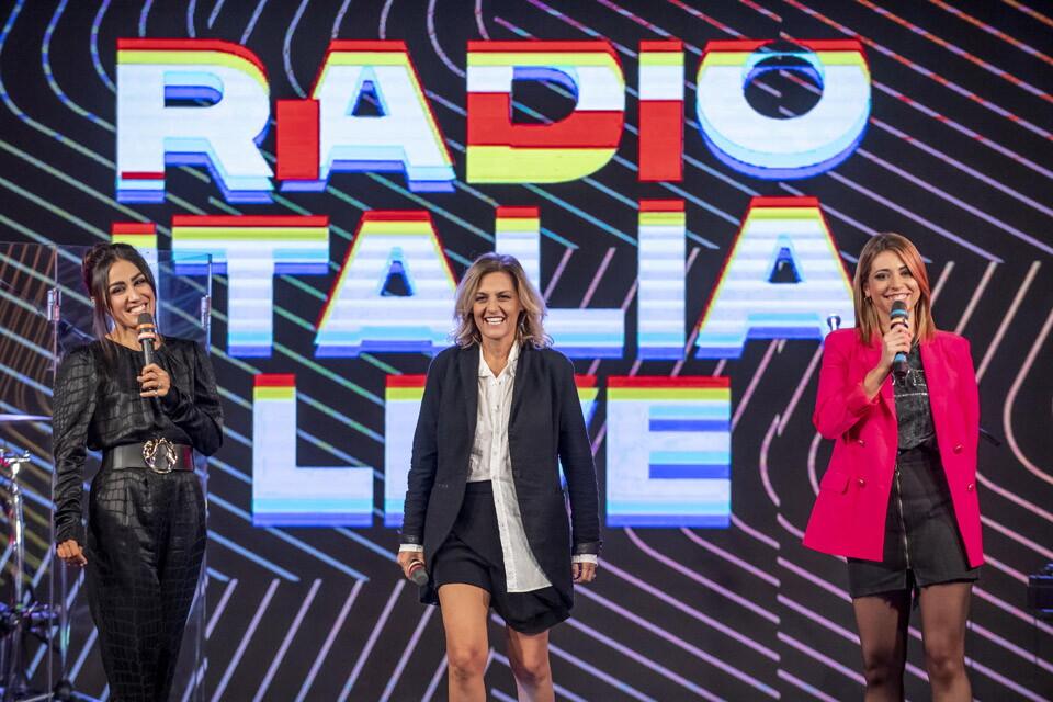 IRENE GRANDI A RADIO ITALIA LIVE (13/11/2020)