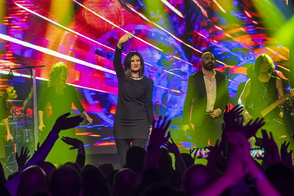LAURA PAUSINI A RADIO ITALIA LIVE (11^ stagione)