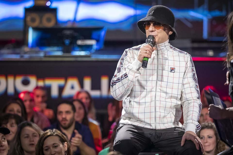 J-AX A RADIO ITALIA LIVE (12^ Stagione)