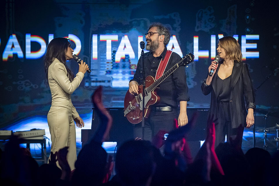 BRUNORI SAS A RADIO ITALIA LIVE (12^ Stagione)