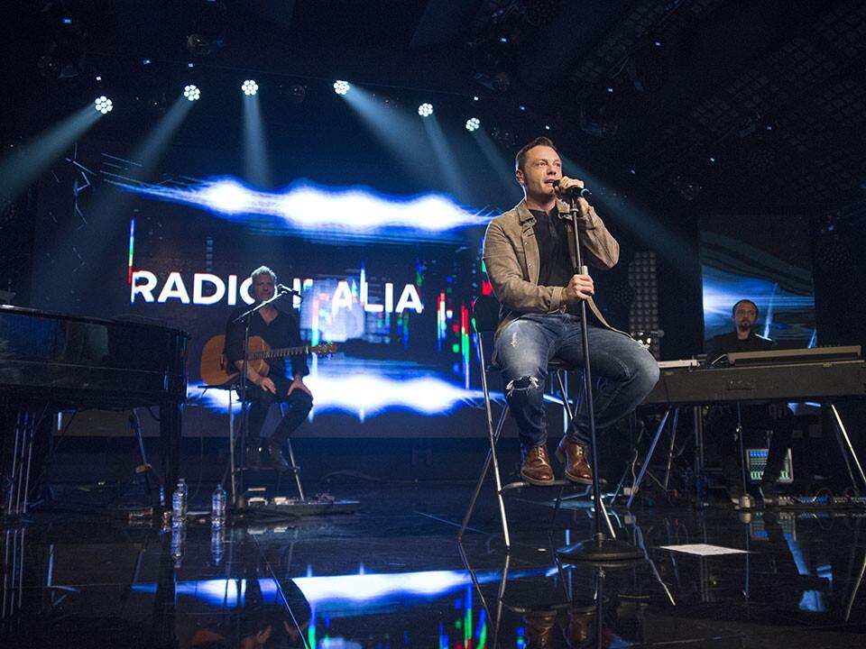 TIZIANO FERRO A RADIO ITALIA LIVE (10^ stagione)