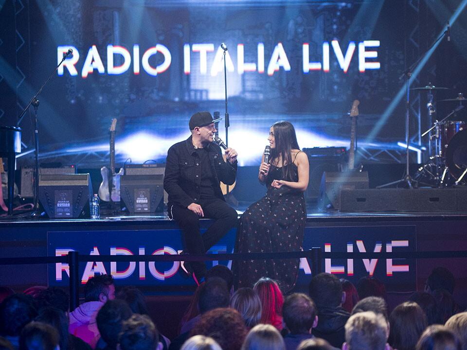 MAX PEZZALI A RADIO ITALIA LIVE (10^ stagione)