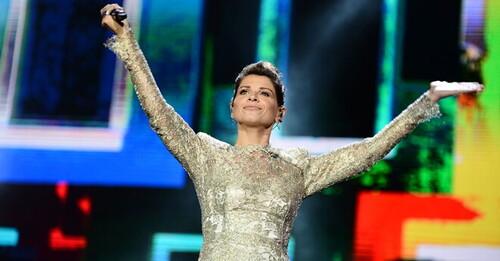 Alessandra Amoroso risplende a RADIO ITALIA LIVE - IL CONCERTO a Malta