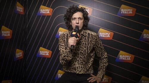 Ermal Meta è il protagonista della nuova puntata di RADIO ITALIA LIVE