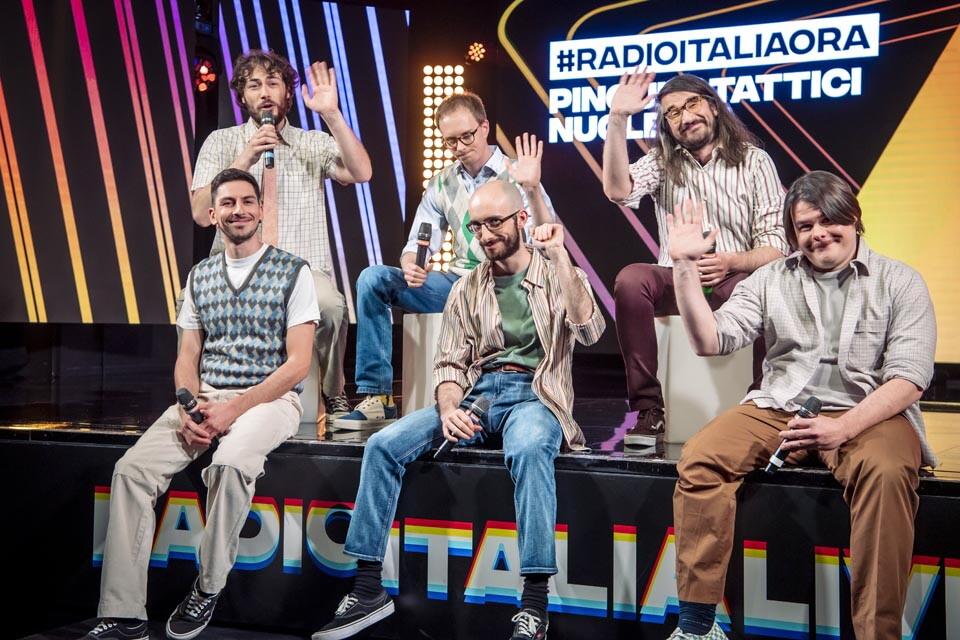 PINGUINI TATTICI NUCLEARI A RADIO ITALIA ORA