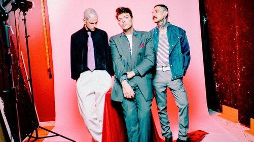 """The Kolors: il 18 giugno escono """"Singles"""" e il remix di """"Cabriolet Panorama"""""""