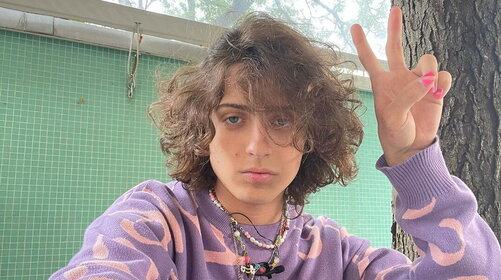 """Sangiovanni, dal VOI Tanka Village, promette un disco """"vero"""" e senza filtri"""