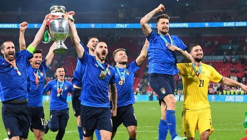 I Campioni tornano in campo, per i Mondiali e per la storia