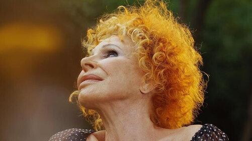 Gli 87 anni di Ornella Vanoni: gli auguri in musica di Emma e Paola Turci