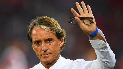 Roberto Mancini, da ct dei record a dottore