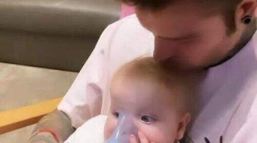"""Fedez, la piccola Vittoria sotto osservazione in ospedale: """"Sta bene"""""""